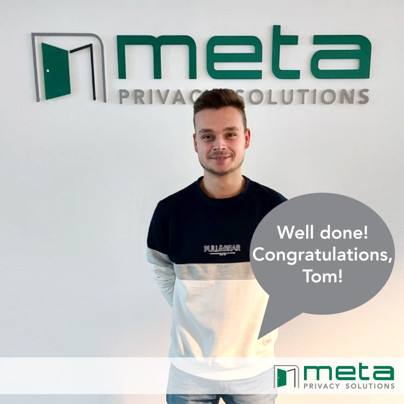 Our trainee Tom passed the final exam of his traineeship and starts his carreer now in our sales department!